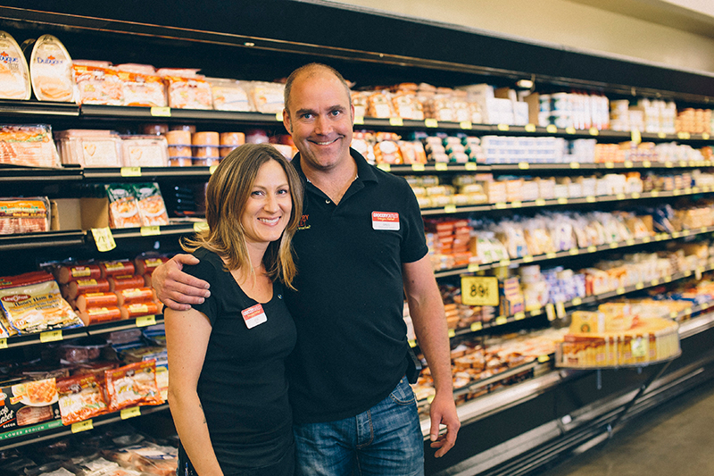 Jessi and Greg Powell Grocery Outlet Operators